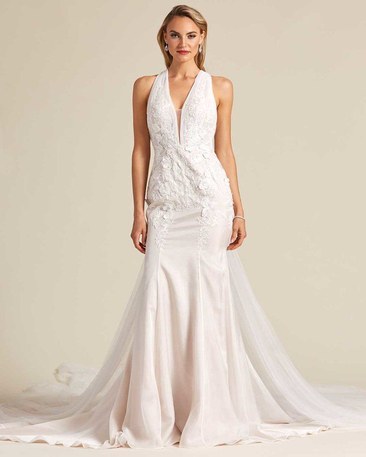 Classic Style Off White Mermaid Wedding Dress - Detail Front