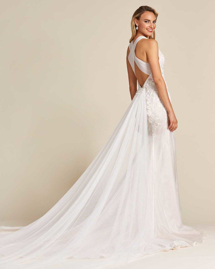 Classic Style Off White Mermaid Wedding Dress - Side